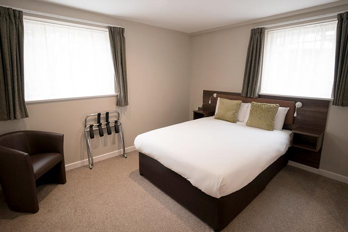 hotel-accommodation-oxfordshire-cosy-room